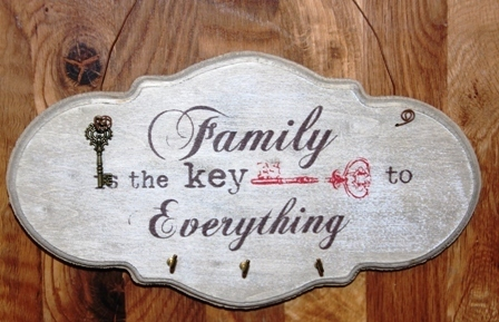 "Schlüsselboard Hakenboard Holz ""Family is the key .."" 3 Haken"
